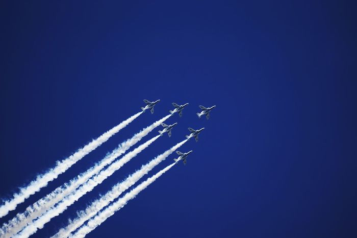 Airshow Smoke - Physical Structure Speed Airplane Flying Blue Sky Teamwork Blue Impulse ブルーインパルス