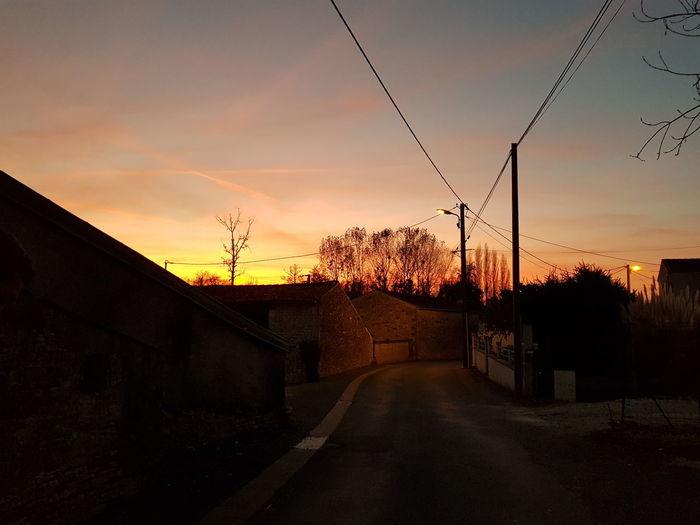 Quand tombe la nuit. Sunset Sky