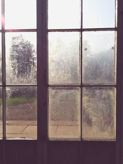 Dirty Window Windowframe Old Yorkshire Nostalgia Traces Of Time Opaque