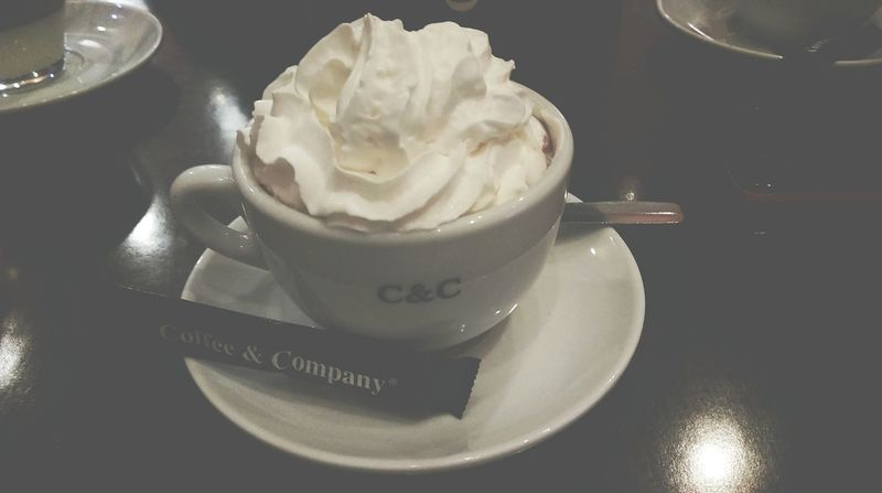 Mmmhh..HOT CHOCOLATE☕ So Good Coffe & Company Delicious ♡ Chocolate♡ Chocolate Addict