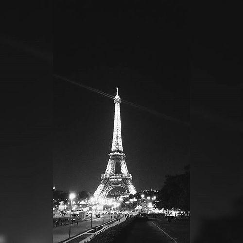 Pray for Paris! Terrorismisnotareligion Prayforparis Paris Blackandwhite Turdeeiffel Bomb Prayforvictim Prierpourparis Prierpourfrance Fujifilm Fujixa2
