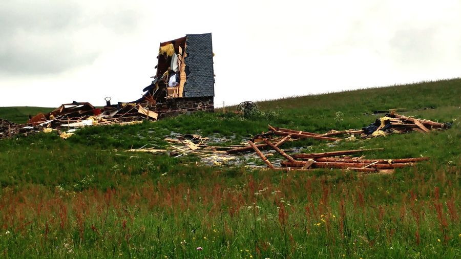 Catastrophe Ruine Sancy Consequences Home Tornade History Architecture Grass Sky Building Exterior Built Structure