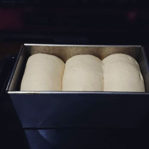 Pullmanloaf dough. I'm gonna bake this now.🍞☺ Pullmanloaf PainDeMie Freshbread Bread Dough Savory Bakingbread OvenBaked Homebaked Homebaking Whatibakedtoday Homemadeisalwaysbest Breadporn Inthekitchen Breadstagram Bakeday