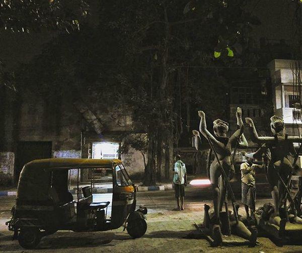 One night on the road... Kalipujo Idols Autorickshaw TukTuk Night Night_time_mobile_photography Redmi2Prime Mi Slowshutter Streetphotography Snapseed Snapseededit Menatwork