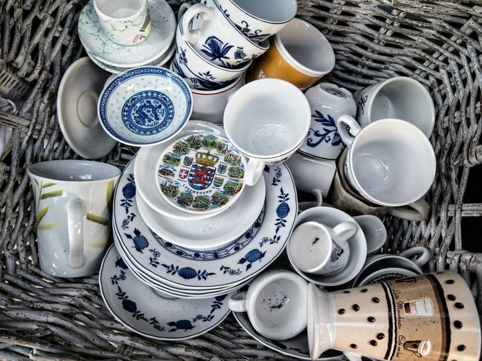 Nicht mehr alle Tassen im Schrank ... From My Point Of View Live Love Shop Urban Perspectives The Devil's In The Detail Fresh 3 Cups Getting Inspired Check This Out Basket Taking Photos Color Hanging Out