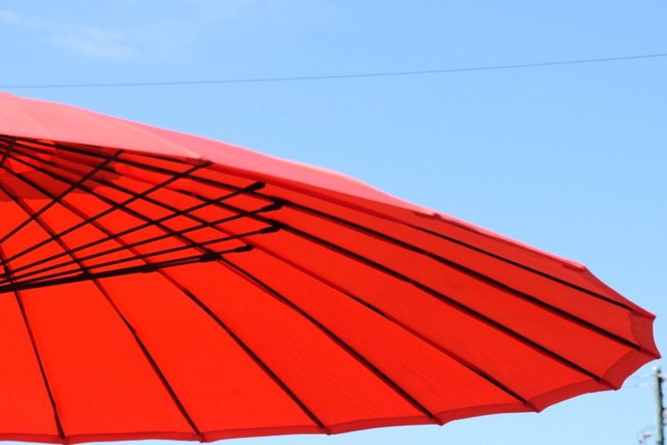 Umbrella Tropical Climate Glorious Winter's Day At The Beach. Tropical Tropical Paradise Cairns Paradise Beach Umbrella Fun In The Sun Red Red Umbrella Red Beach Umbrella