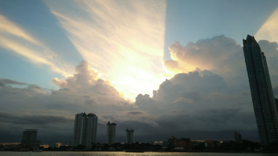Thonburi, Bangkok / Thailand July 4 2018: Super Sky on thonburi riverside 1 Riverside River View Riverview River Side Sky And Clouds Sky_collection Skyline Sky Collection City Cityscape Urban Skyline Modern Skyscraper Sky Architecture Building Exterior Cloud - Sky The Great Outdoors - 2018 EyeEm Awards