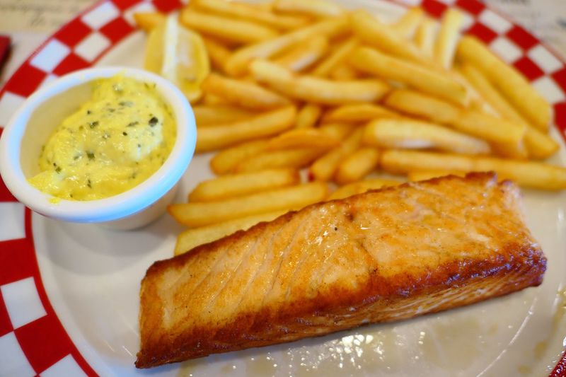 Restaurant French Fries Food And Drink Food Prepared Potato Unhealthy Eating Ready-to-eat Deep Fried  Plate No People Indoors  Fish Salmone France
