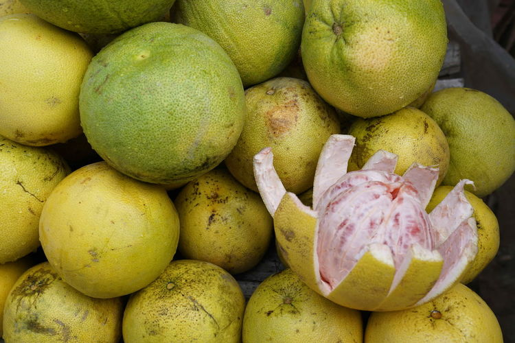 Abundance Business Choice Day Food Food And Drink For Sale Freshness Fruit Green Color Healthy Eating High Angle View Indian Pomelo Large Group Of Objects Market Market Stall No People Pear Pomelo Pomelo Fruit Retail  Ripe Sale Still Life Wellbeing