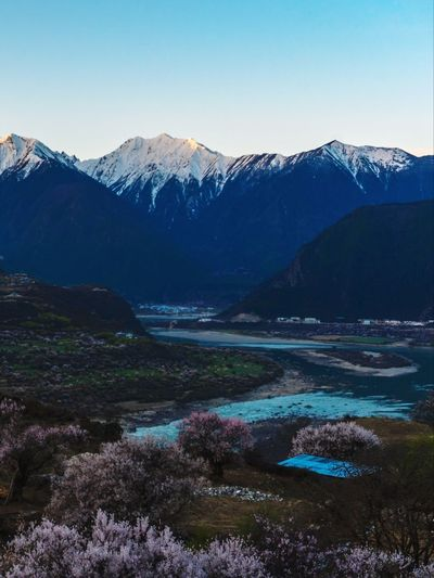 桃花,雅鲁藏布和雪山 YarluZangbu River Tibet China Water Mountain Snow Cold Temperature Winter Glacier Snowcapped Mountain Lake Adventure Wilderness