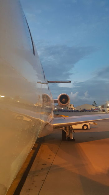Aircraft exterior Commercial Airplane Airline United Express Airportphotography Ramp Airport Life Airplanes