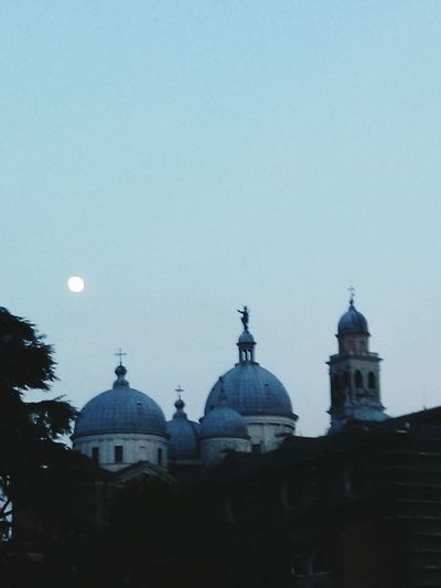 Been There. Italy Best Italy Architecture Outdoors No People City Sky Chiesa Edificio Moon Moonphotography Moon_collection Luna❤ Sky Collection Sky And City Skymoon Padovacity Padova Sky Padova So Good Padova Viveresognando Vivere In Italia City Lights City Skyline