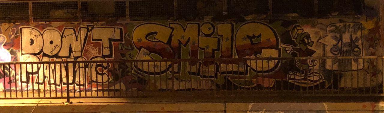Don't Panic... Smile! Graffiti No People Graffiti Legal Wall Smile Street Art Street Art/Graffiti Don't Panic