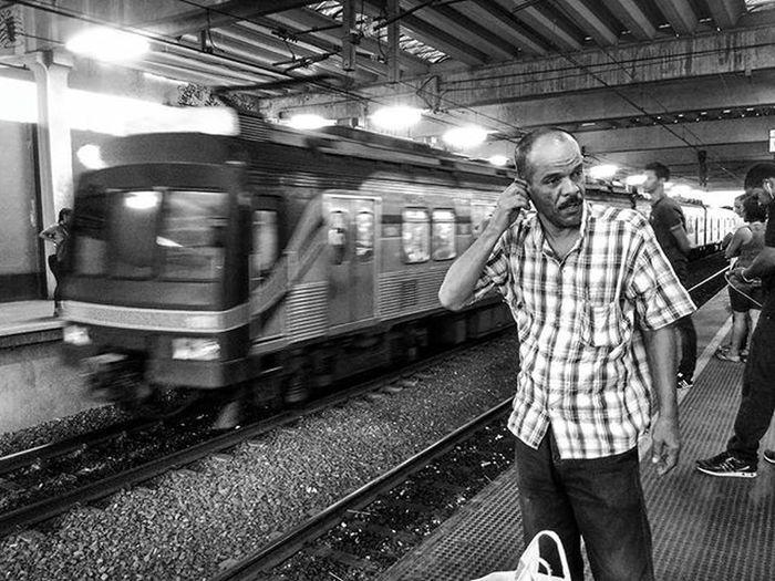 Estação JoanaBezerra Kim  Mobgraphia Snapseed Redmi2 Street Rua Calle Streetphotography Bnw Byn Peb  Babilonia081 ClickRedmi