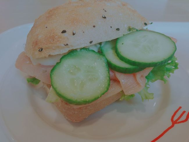 Healthy Eating Lunch Time! Bocadillo con Salmon - Seafood and Tzaziki Foodpics Tasty Foods Foodspotting Food Photography