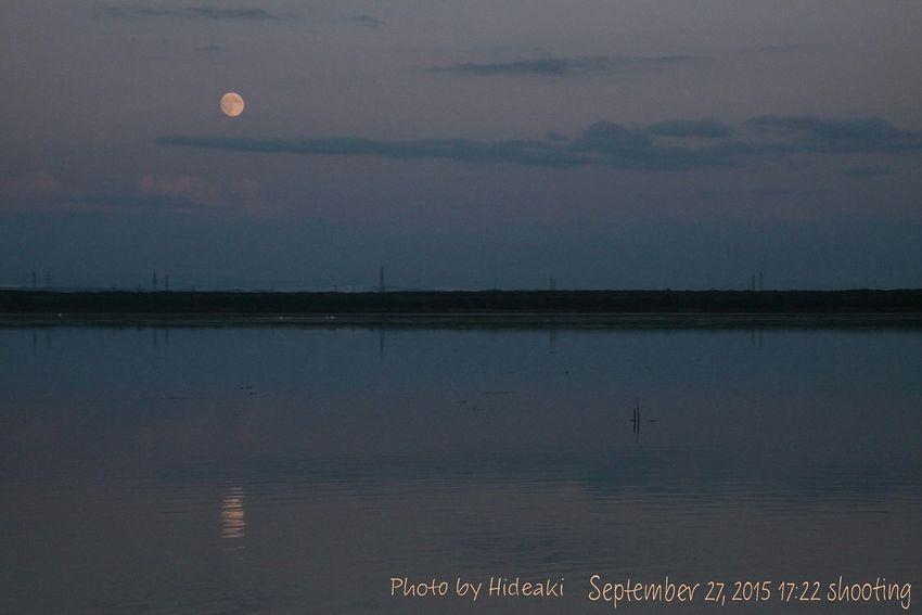 月 Moon 中秋の名月 十五夜 月明かり ウトナイ湖 水鏡 Reflection