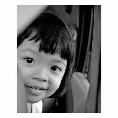 -Mata Bapaknya Lovely People Daughter Childrenphoto Humaninterest Hi_photography BW_photography Blackandwhite Antariksa_id
