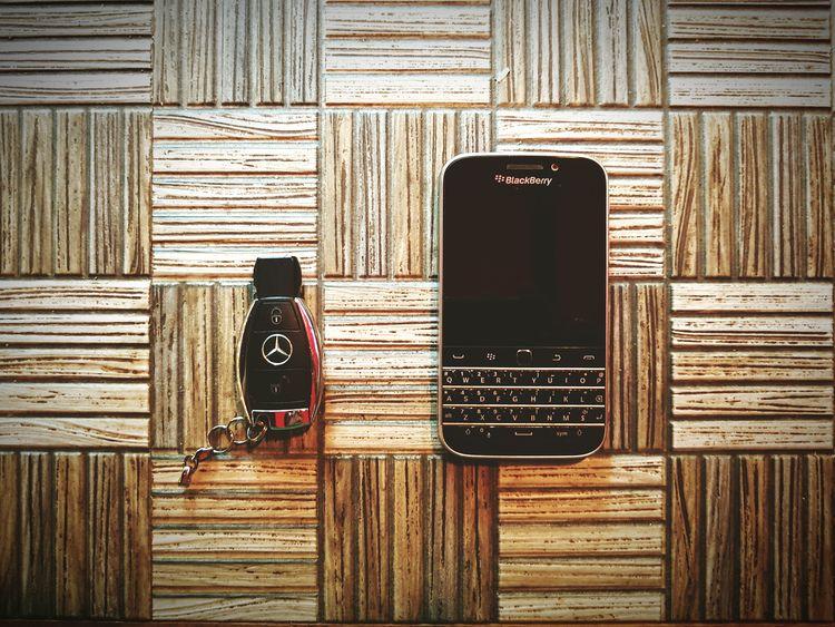 Class! BlackBerry Classic x Mecedes Benz Mobilephotography Blackberry Classic Mercedesbenz Classy Galaxys7 Aclass