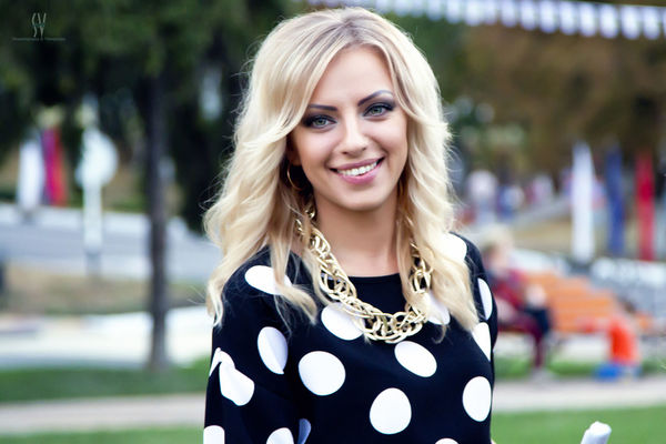 Beautiful Woman Blond Hair Cheerful Close-up Day Happiness Headshot One Person One Woman Only One Young Woman Only Only Women Outdoors People Portrait Real People Smiling Toothy Smile Young Women