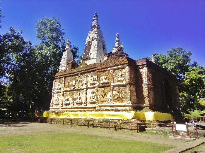 Wat Jed Yod Bodhagaya Temple Chiang Mai | Thailand Amazing Leisure Activity Thailand Daily Life Photography Photooftheday Location Old Buildings Tree Place Of Worship Ancient Civilization Religion Spirituality History Sky Architecture Building Exterior Buddha