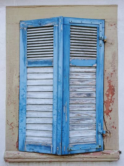 the Beauty of decay... Wooden Shutters Fullframe Close Up Window Blue Shutters Timbered Objekt Shootermag Mobilephotography Sonyxperia Performance