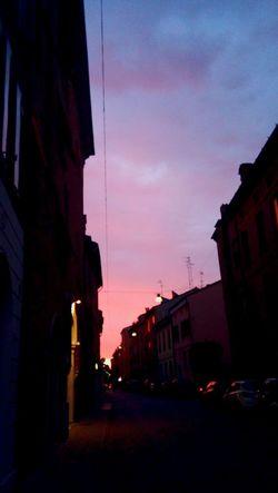 Sky No People Outdoors City Cielo Cielo Y Nubes  Colori Colors Of Sky Colors Cielo E Nuvole Nuvole Nubes Sky And Clouds Clouds Tramonto Ferrara FerraraCity Ferrara- Italy Via Ripagrande Bei Colori Colori Belli Beutiful Sky
