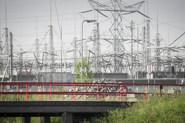 Architecture Built Structure Cable Complexity Connection Electricity  Electricity Pylon Fuel And Power Generation Mode Of Transportation Nature No People Outdoors Power Line  Power Supply Public Transportation Rail Transportation Railroad Track Technology Track Train Train - Vehicle Transportation