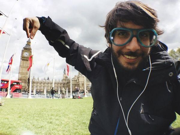 ME LO LLEVO!! Bigben Big Ben Elizabethtower Westminster London Selfie Selfie ✌ LONDON❤ London_only That's Me The Week On EyeEm Editor's Picks