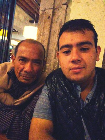 Mi viejo! Dad Mydadisawesome Two People Real People Indoors  Looking At Camera Men Portrait Mature Men