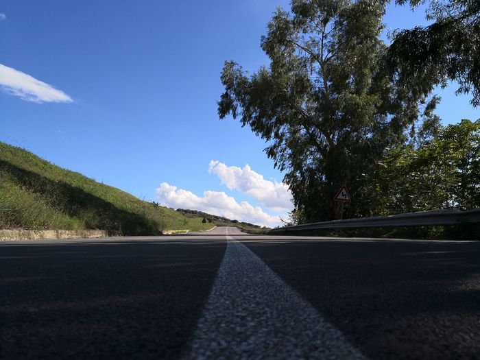 Tree Road Asphalt Sky Cloud - Sky Mountain Road Road Marking Dividing Line Car Point Of View
