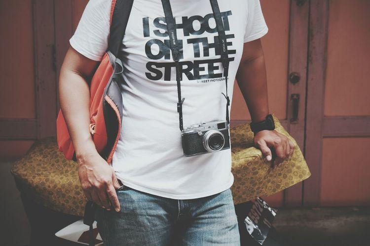 Street shooter Streetphotography Eyeem On Week EyeEm Gallery EyeEm Masterclass Black And White Street Photography Street Life EyeEm Indonesia EyeEmBestPics EyeEmNewHere EyeEm Best Shots Streetphoto Text Resist EyeEm Diversity