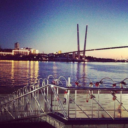 набережнаяцесаревича владивосток закат у моря городуморя