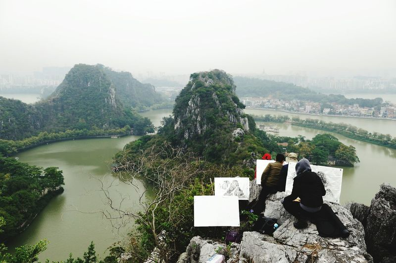 The way people do Chinese painting Traveling China View