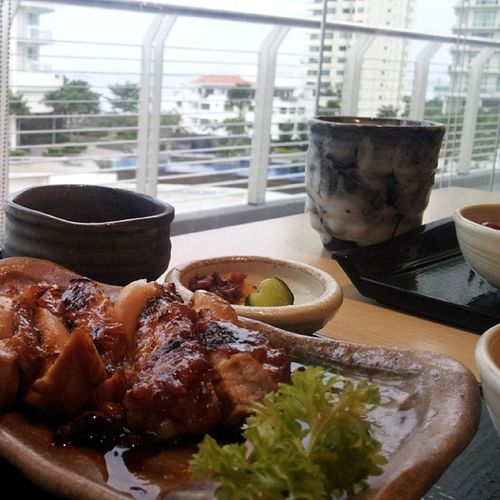 Teriyaki Bento set in a Gurney Paragon setting