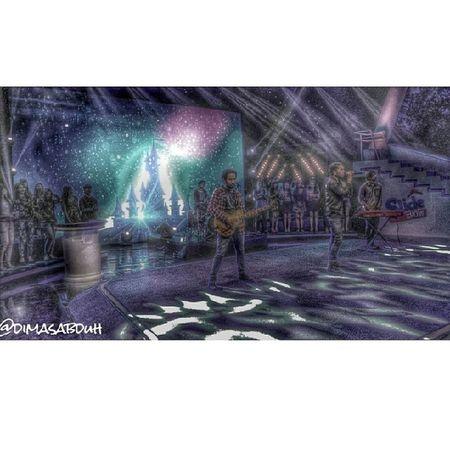 Band Singing Liveshow Slideshow Audience Stage Onstage Lighting Colourful Dark LYLAINDONESIA Studio72 Transtv  Studio Instadaily