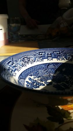 Indoors  Table Pattern Close-up Day Bowl China Dishes Domestic Kitchen Diningroom Domestic Life
