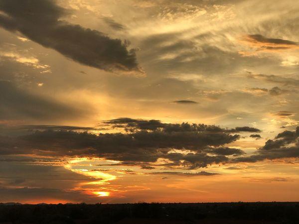 The progression of the sunset tonight 👌🏼 Sunset Scenics Sky Dramatic Sky Arizona Sunset Cloud Cloudporn Nofilter Noedit