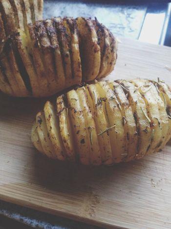 hasselback potatoes! Foodporn Foodie PotatoesDesign