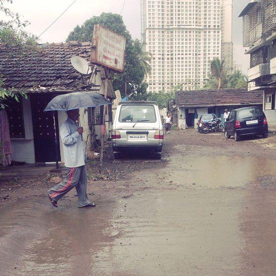 Unexpected surprises this city gives. Mumbai ILoveMumbai Mumbaiwallet Allindia _soi Mumbaistreets Mumbai_in_clicks Mumbai_igers Xplorur Bombaybest Wearemumbai Street Iiframe Increadiblemumbai 1000thingstodoinmumbai Inmycity Mumbairains Rains