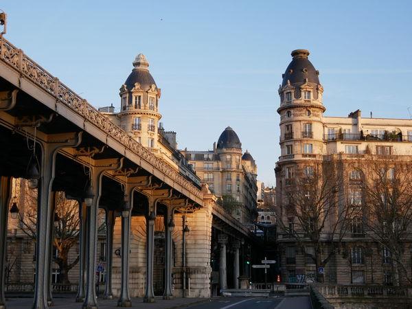 Parisian morning Paris Bridge Exploring Travel Europe LumixG80 Lumixg81 Lumix Sunrise EyeEm Selects The Architect - 2018 EyeEm Awards City Politics And Government Cityscape History Sky Architecture Built Structure