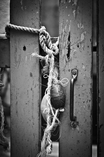Noeud marin à la retraite/Retired marine knot Bnw_friday_eyeemchallenge Knot Bw_collection Blackandwhite