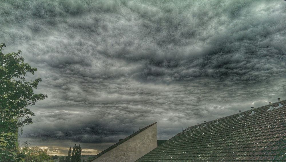 Cloud Porn Rainy Days Hdr Edit Hdr_lovers Hdr_Collection British Summertime The View From My Window Overcast Weather ❤ Taking Photos Overcast Skies