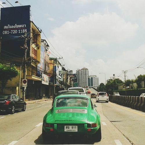 Taking Photos Porche Relaxing Road Intersection Streetphotography Bangkok Thailand Green
