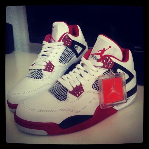 Meins :) #airjordan4 #jordan #sneaker #nike #sneakerlove Nike Jordan Sneaker Sneakerlove Airjordan4