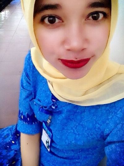 Taking Photos Hello World Hi! That's Me Cheese! Check This Out Syukuralhamdulillah My Year My View Gadisbatipuh Perempuanindonesia Im A Muslim All_shots Hijabstyle  MyLips Hijabfashion Sexylips Hijab