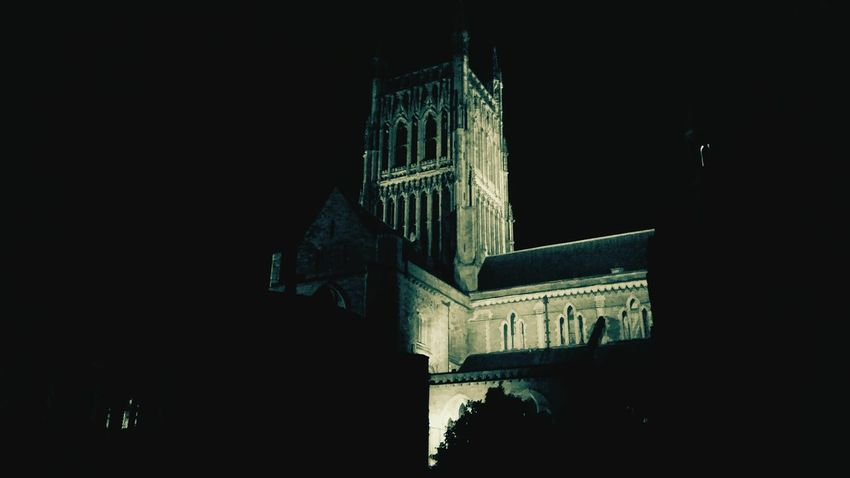 Worcs by Night! Worcester Worcestershire Worcester Cathedral Old Cathedral Nightwalk Old Church English British Architecture Old City Old Architecture Nightphotography Night Lights Night Photography City Lights