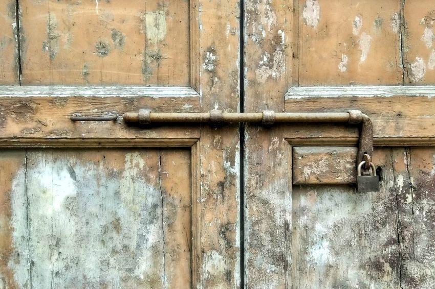 old wooden gate Backgrounds Full Frame Textured  Wood - Material Door Protection Safety Metal Closed Close-up Door Handle Front Door Detail Door Knocker Wooden Locked Padlock Doorknob Closed Door Entryway