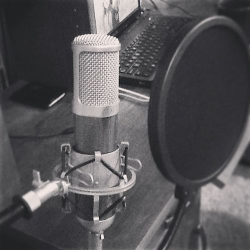 My new toy. Studiomic Recording Mxl880 Condenser somuchfun studio recording clear beautiful imnowacaveman greatestthingever