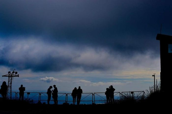 Canada Traveling Vancouver Grouse Mountain Love Lovecouple Light And Shadow Two Is Better Than Onefirst eyeem photo