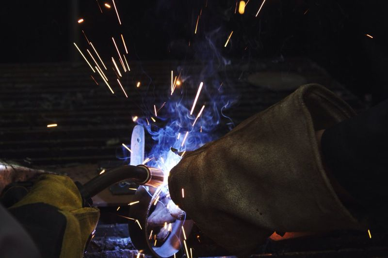 Welding Welder Smoke Artthroughart Close-up Illuminated Sparks Fly Trynewthings Beprotected Teamwork Teaching Exploring Style